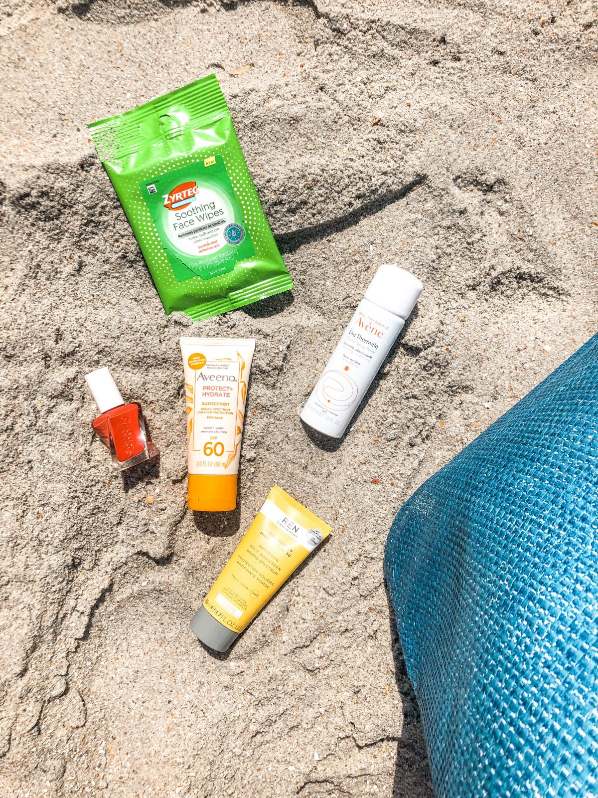 What's In My Bag: Beach Vacay Edition